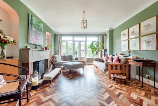 Majestic home with Beautiful Garden in North West London