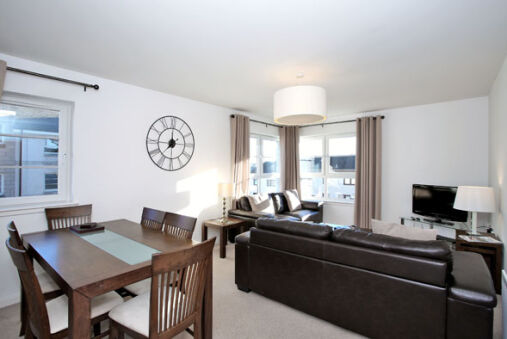 Bright 3 bed Inverurie home near Ury Riverside Park