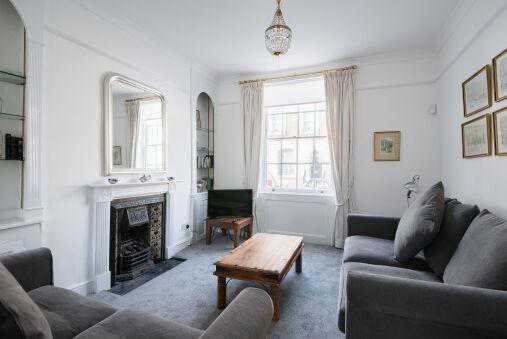 Stylish Sloane Square Home Close to Victoria
