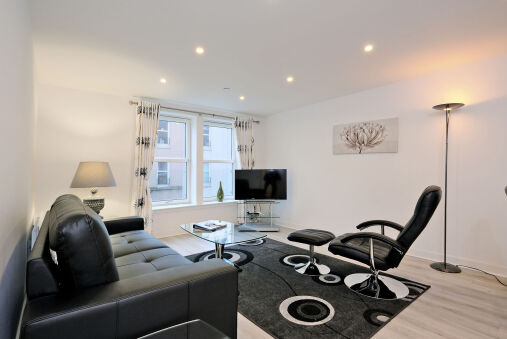 Modern 2 Bed home in Aberdeen